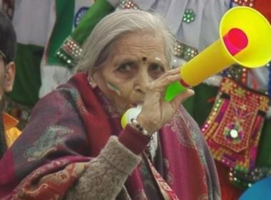 1983ല് കപില് പാജി ലോകകപ്പ് നേടിയപ്പോഴും ഞാന് സാക്ഷി; ഇത്തവണയും കപ്പ് ഇന്ത്യയ്ക്ക്; ഇന്ത്യന് ആരാധികയുടെ വാക്കുകള്